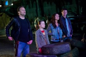 Kirk-Ward-Tyler-Ross-Maiara-Walsh-and-Izabela-Vidovic-in-ZOMBIELAND-600x377
